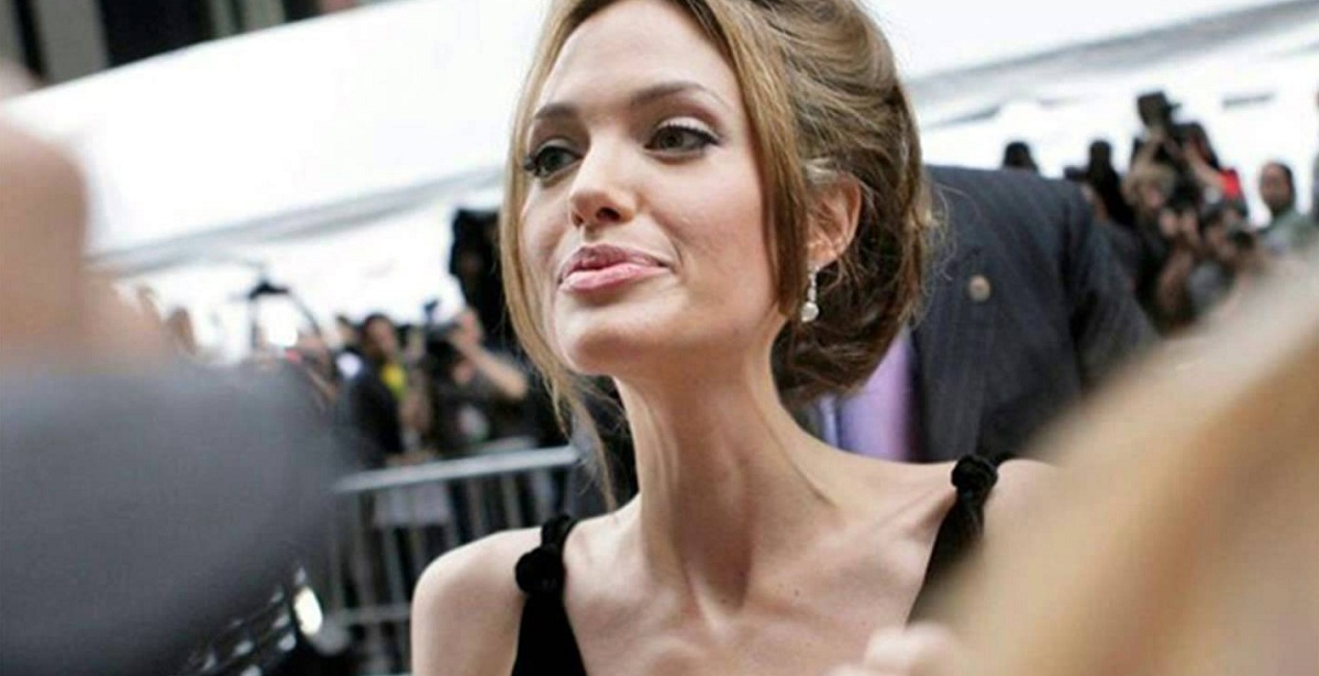 Анджелина джоли фото сейчас при смерти